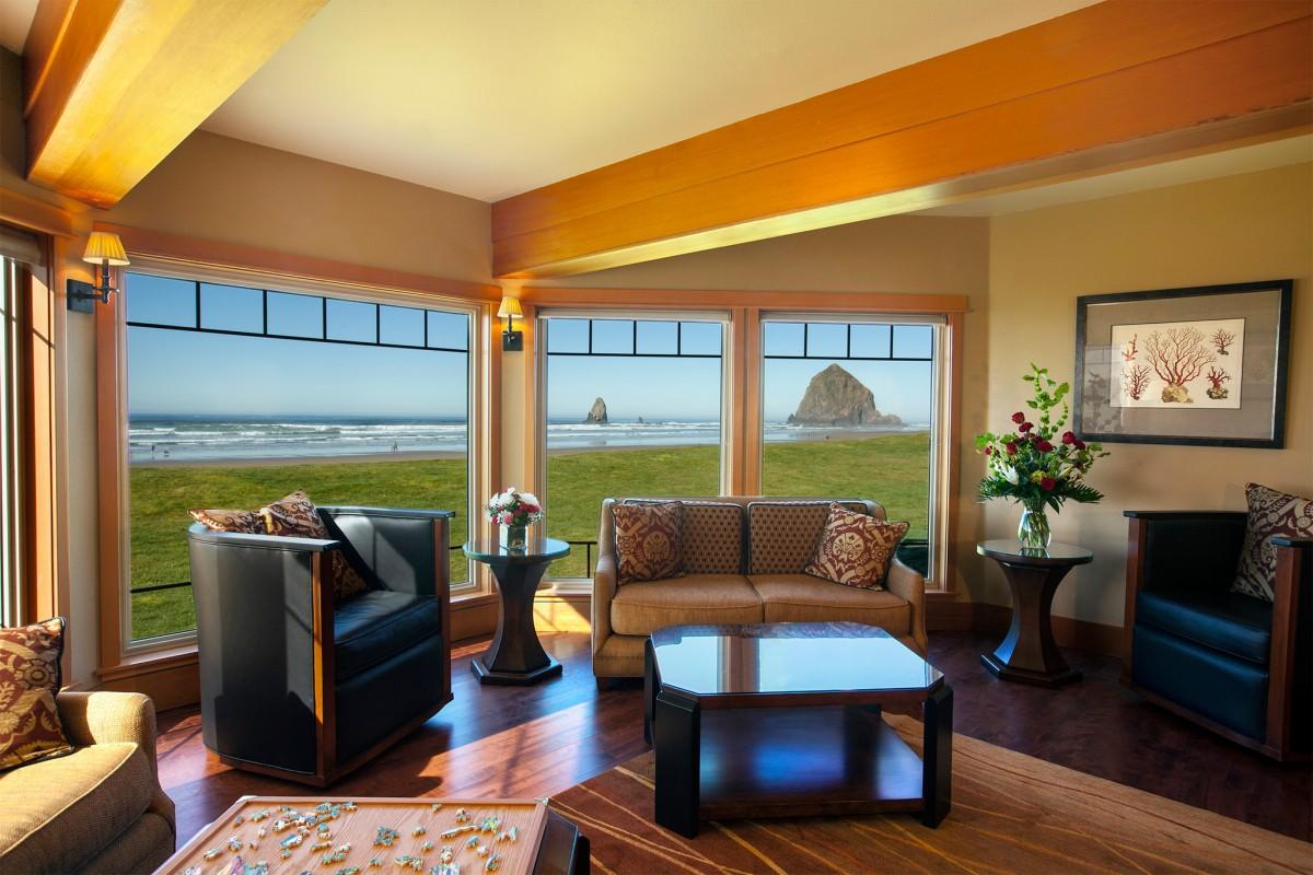 Cannon-Beach-Guestrooms-Stephanie-Inn-hor086