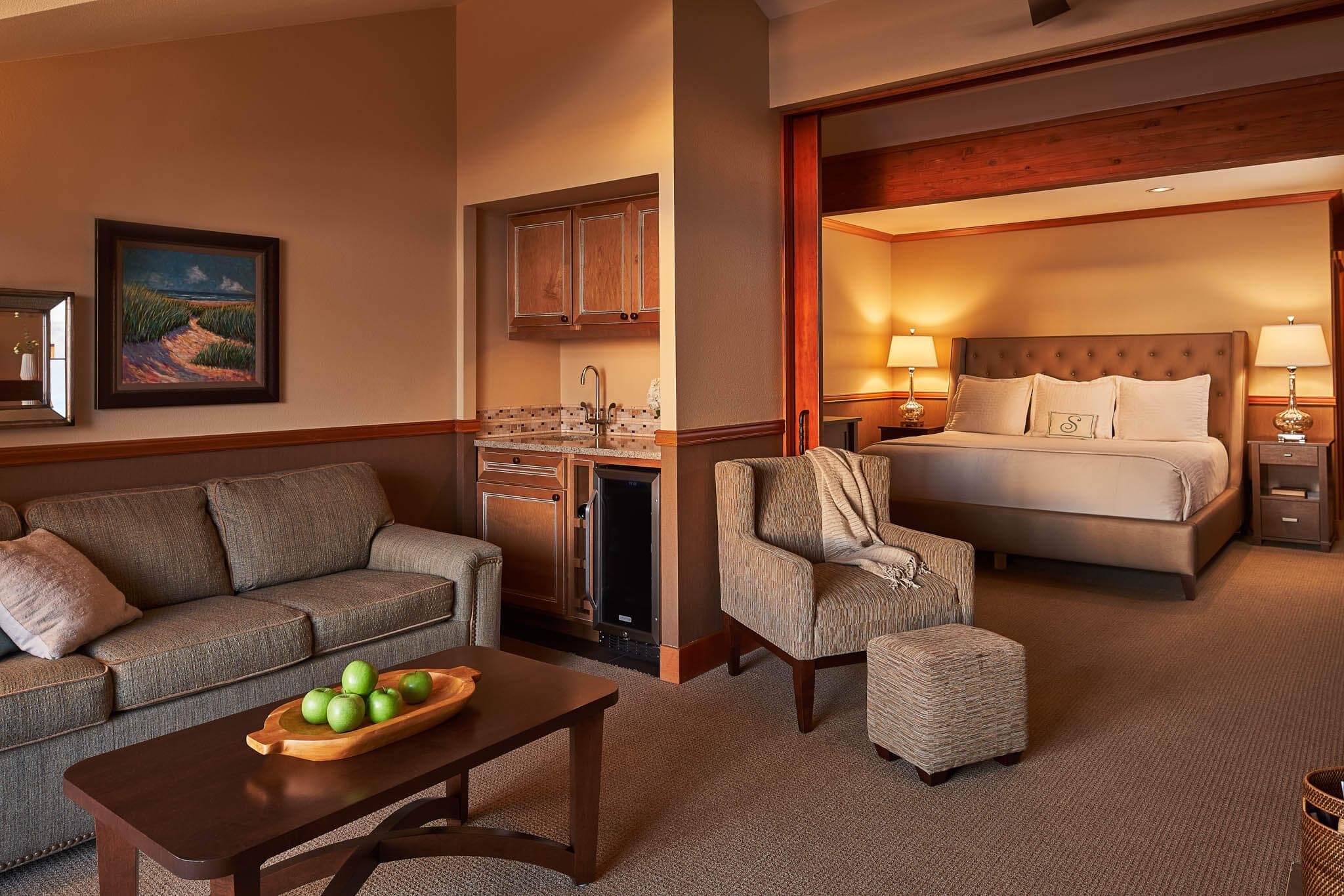 Rooms: Oceanfront Dormer Room