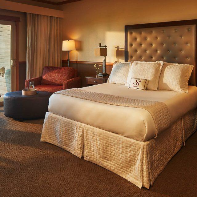 Stephanie Inn Dining Room: Oceanfront Hotel In